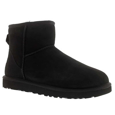 UGG Australia Women's CLASSIC MINI black sheepskin fashion boots