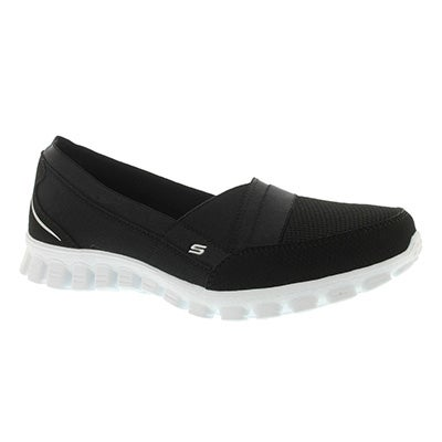 Skechers Women's QUIPSTER black/white slip on walking shoes