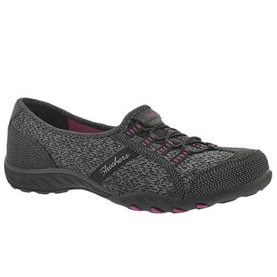 Skechers Women's BREATHE-EASY black/pink slip on sneakers