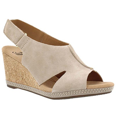 Clarks Women's HELIO FLOAT sand wedge sandals
