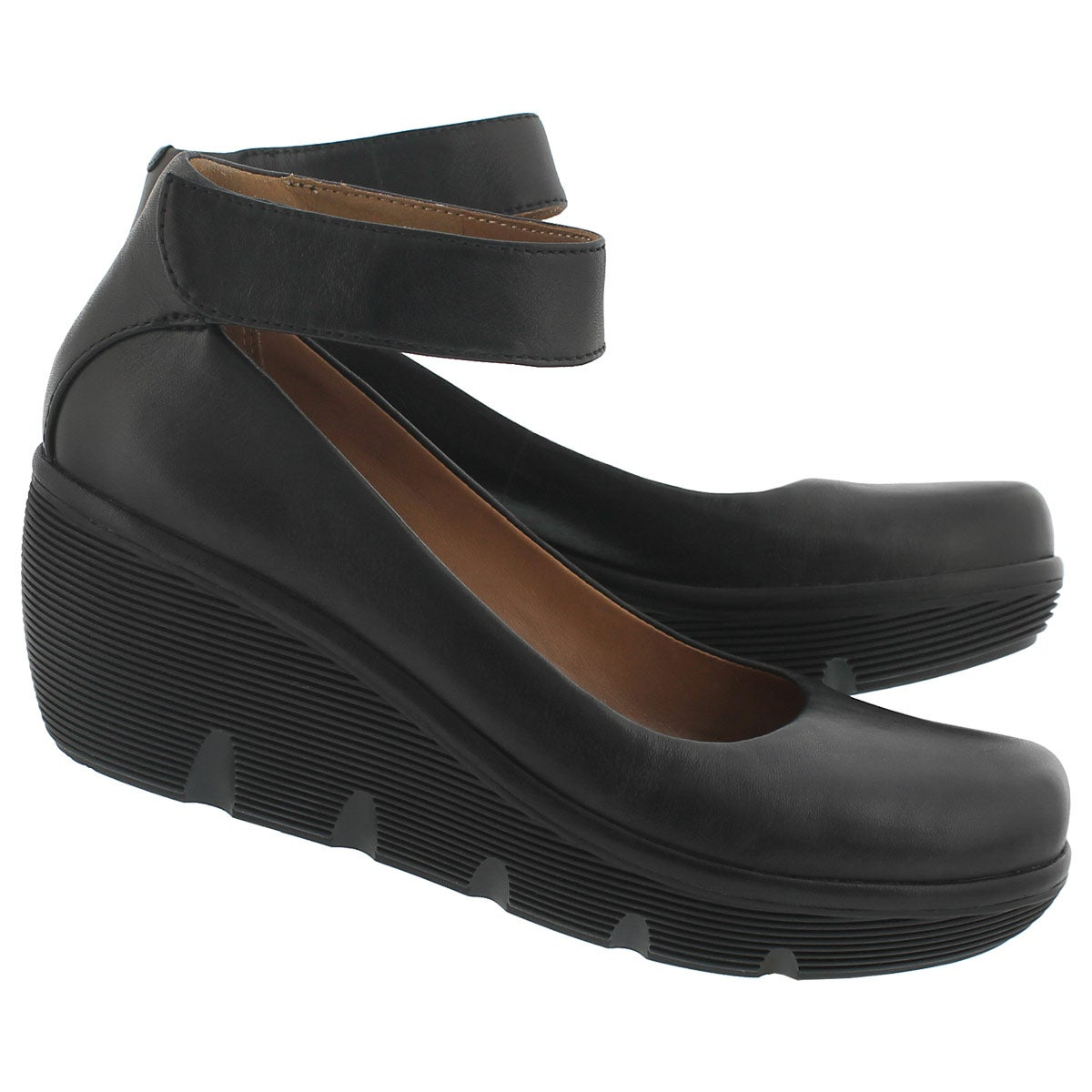 Lds Clarene Tide blk ankle strap wedge