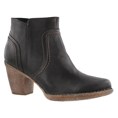 Clarks Women's CARLETA PARIS black leather ankle boots