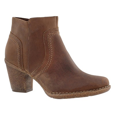 Clarks Women's CARLETA PARIS brown nubuck ankle boots