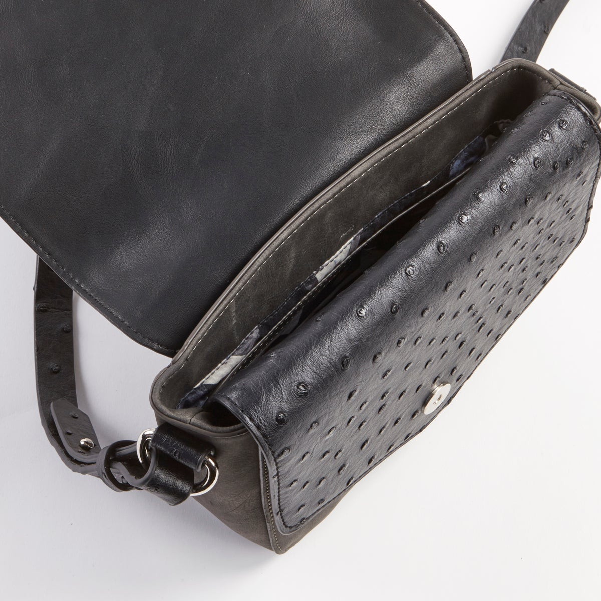 Lds Cosmopolitan black cross body bag