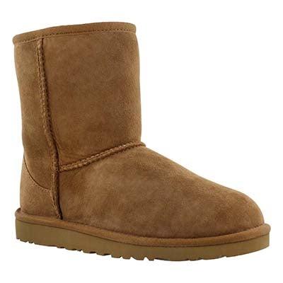 UGG Australia Girls' CLASSIC SHORT chestnut sheepskin boots