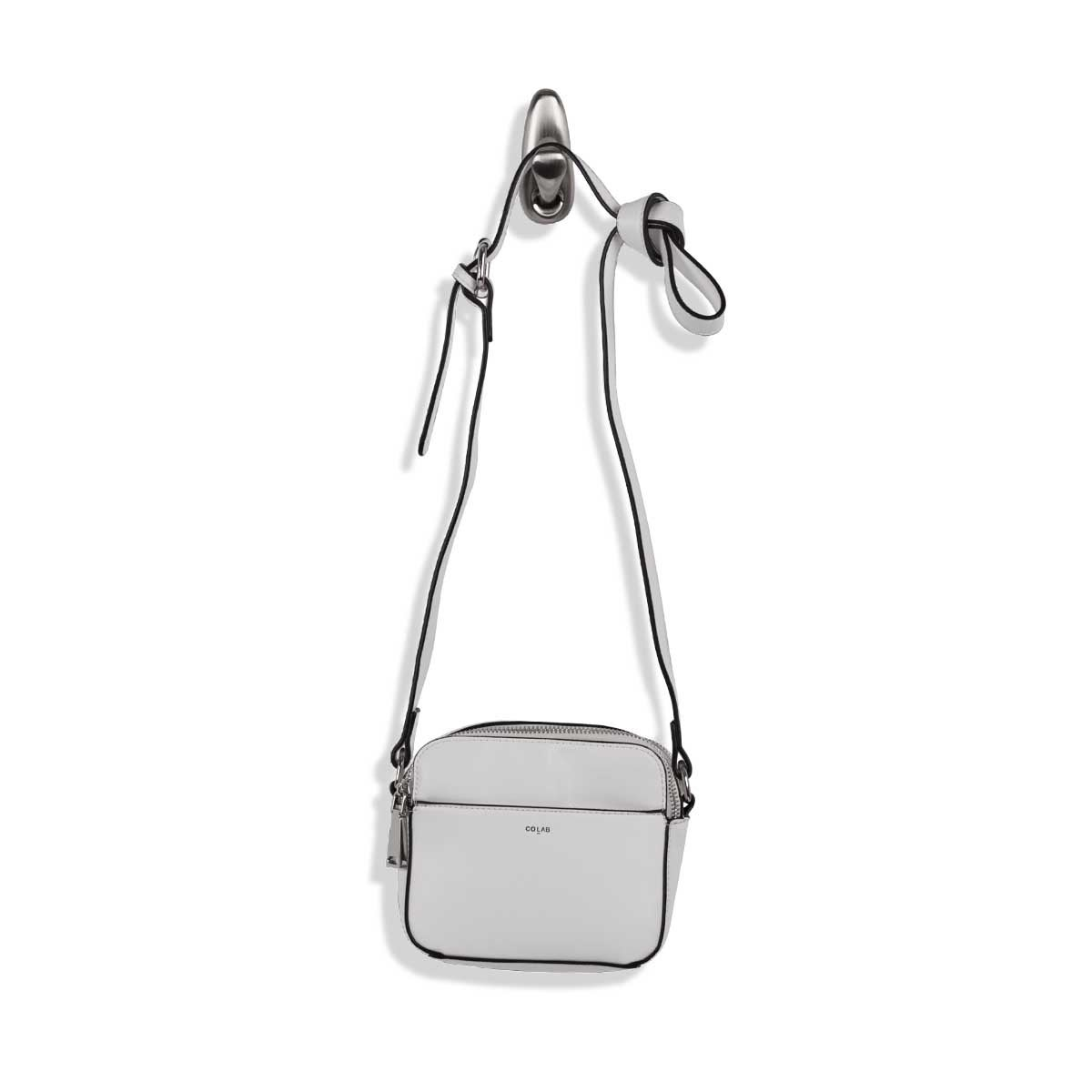 Lds MALIBU Camera wht crossbody bag