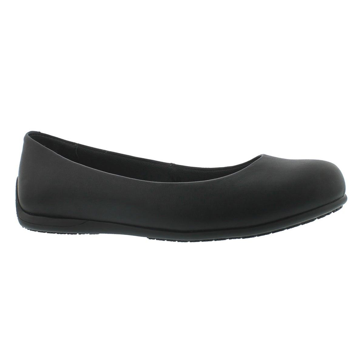 Women's TRANSPIRE black slip-resistant flats