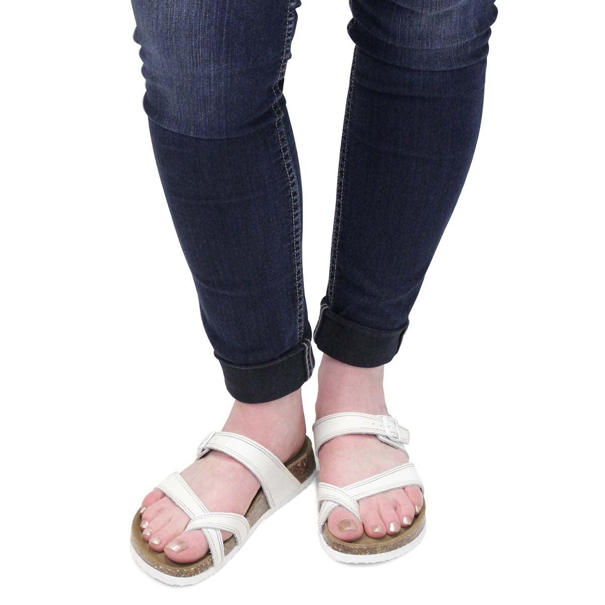 Lds Alicia 5 Pri wht mem foam sandal