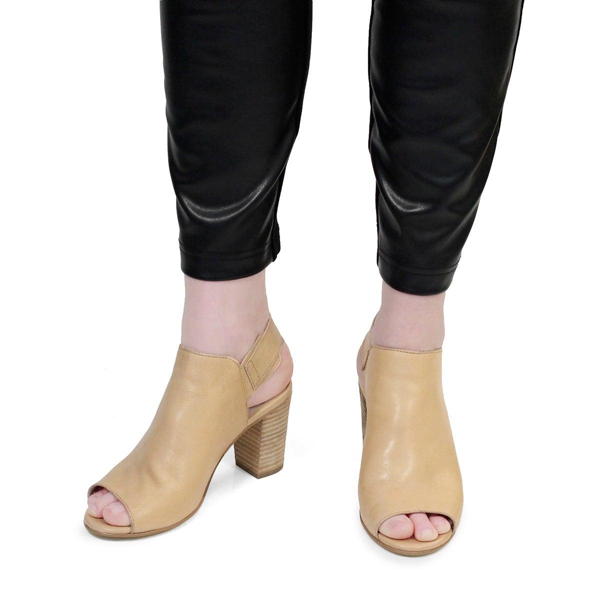 Lds Faye beige peep toe dress sandal