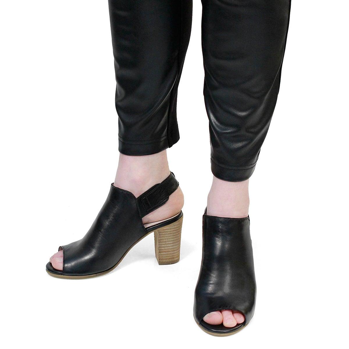 Lds Faye black peep toe dress sandal