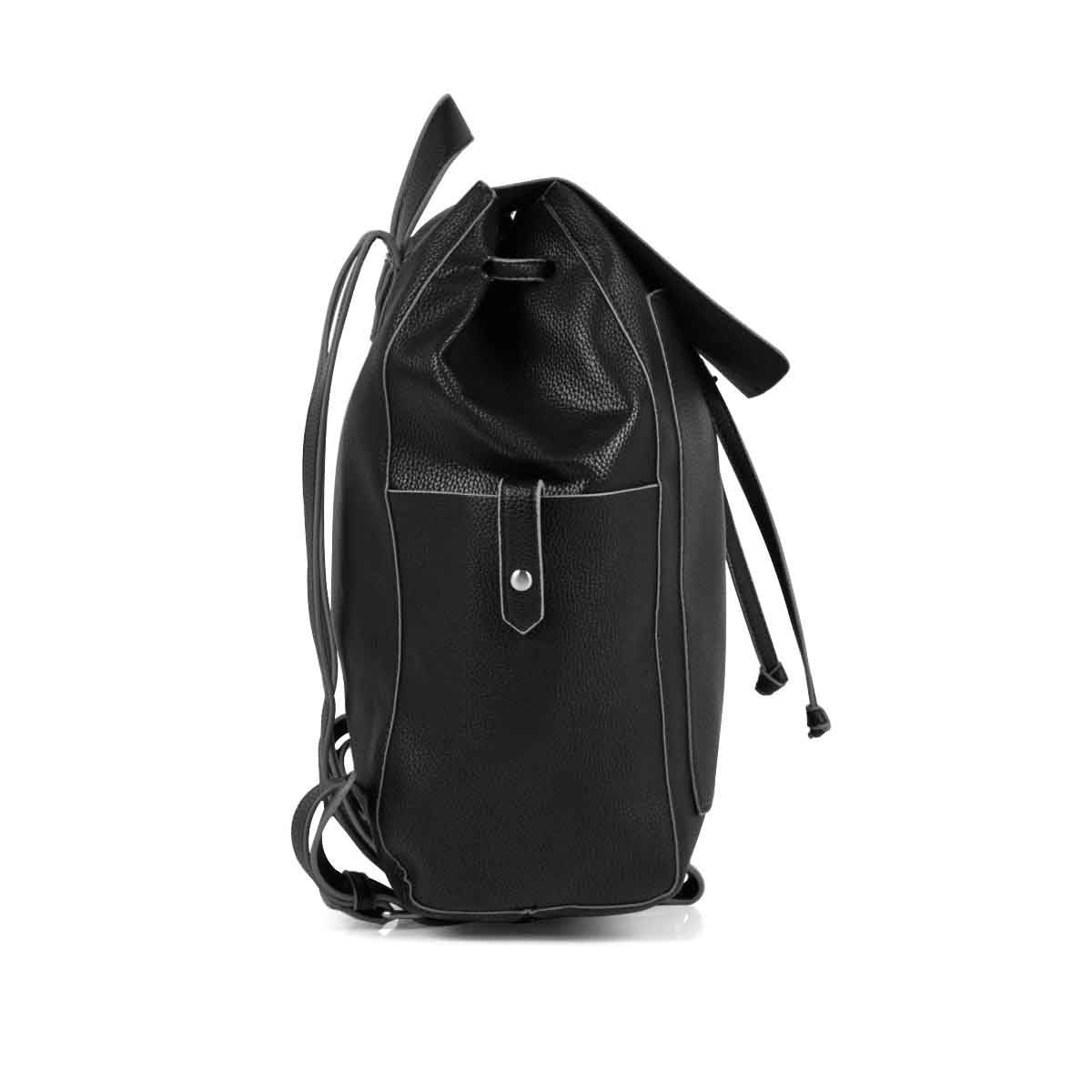 Lds blk draw string w/flap backpack