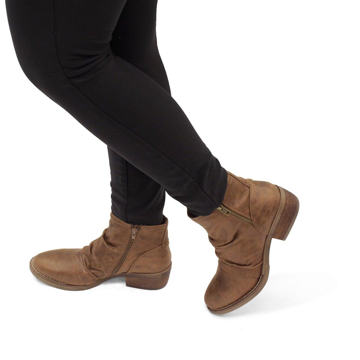 Lds Tyra tan slip on bootie