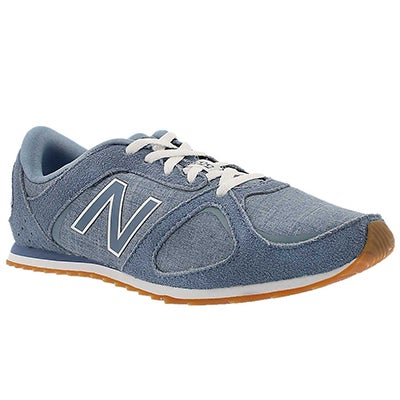 New Balance Women's 555 light blue lace up sneakers