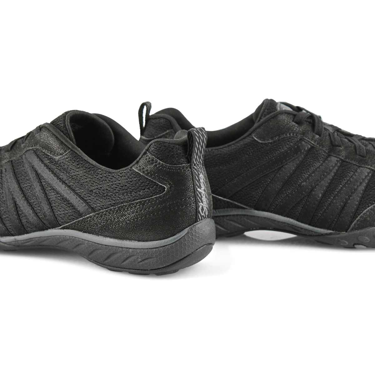 Women's BREATHE-EASY black slip on sneakers