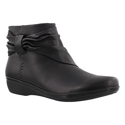 Clarks Women's EVERLAY MANDY black ankle boots