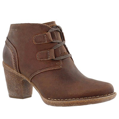 Clarks Women's CARLETA LYON brown nubuck booties